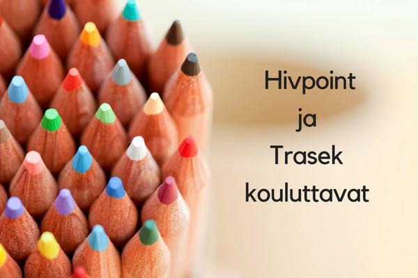 Koulutus heteronormista ja sukupuolinormeista, järjestäjinä Hivpoint ja Trasek. Kuvassa värikkäistä kyniä ja vieressä teksti koulutuksesta.