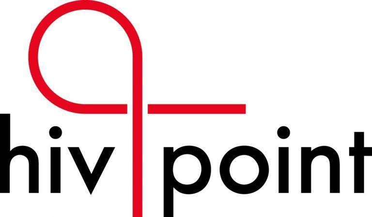 Hivpoint logo mustalla tekstillä ja punaisella nauhalogolla.